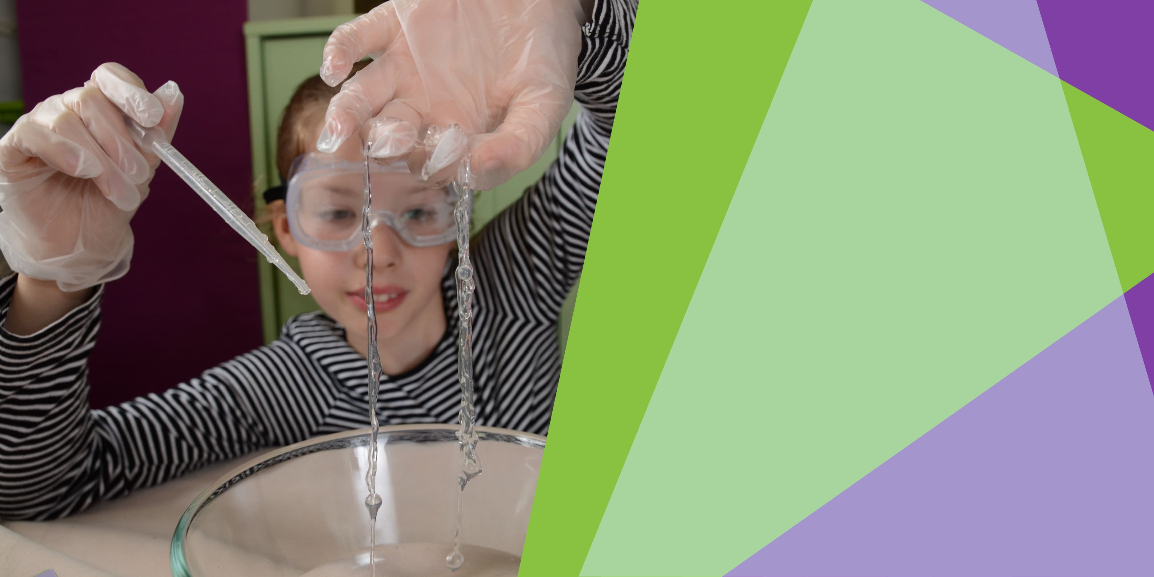 girl playing with chemistry experiment