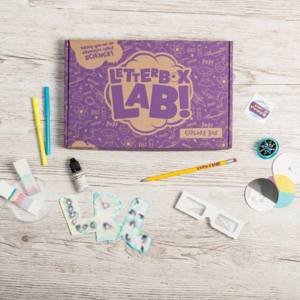 The Explore Box is a science subscription box from Letterbox Lab that puts incredible science experiments for kids age 6+ through your letterbox.